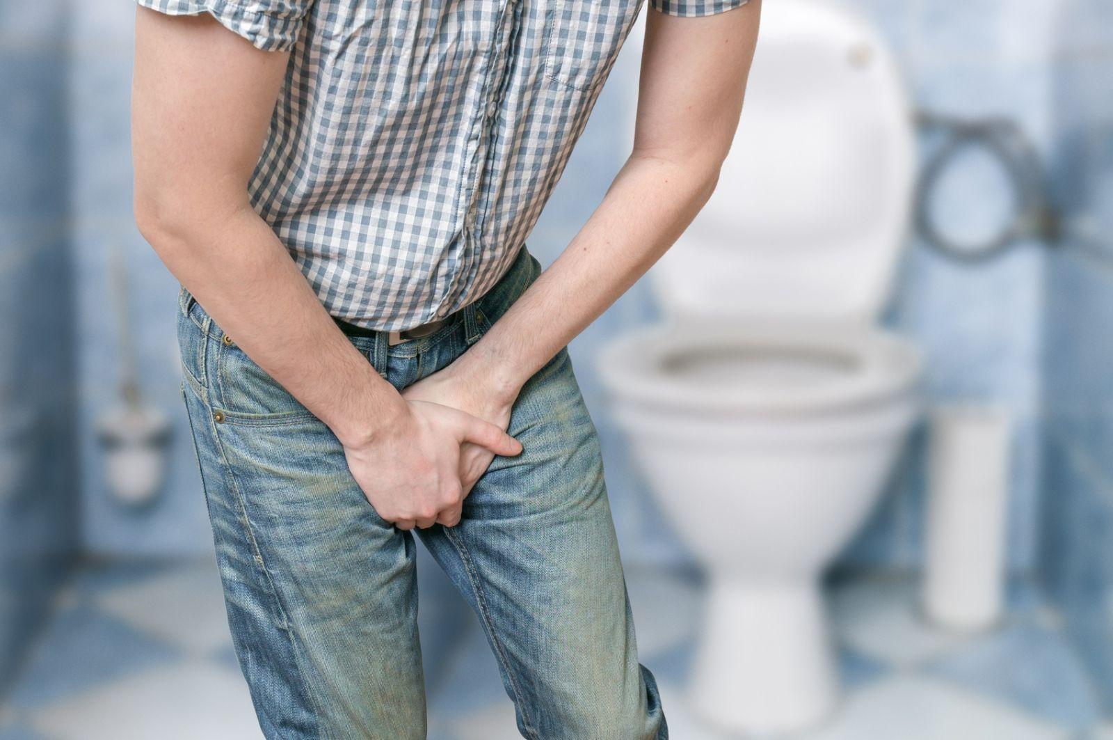 Боль при мочеиспускании у мужчин: причины и лечение