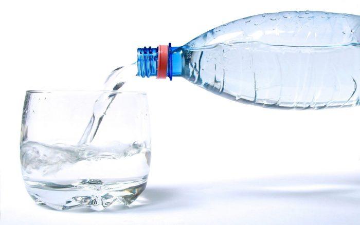 пить только чистую воду