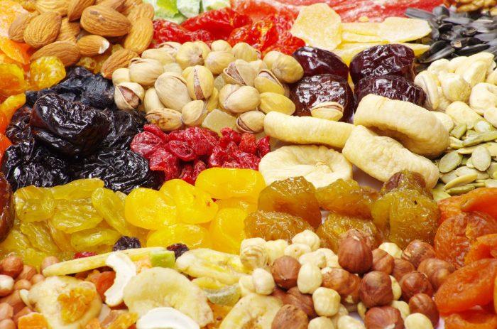 сухофрукты и фрукты