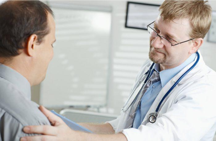 решение принимает только доктор