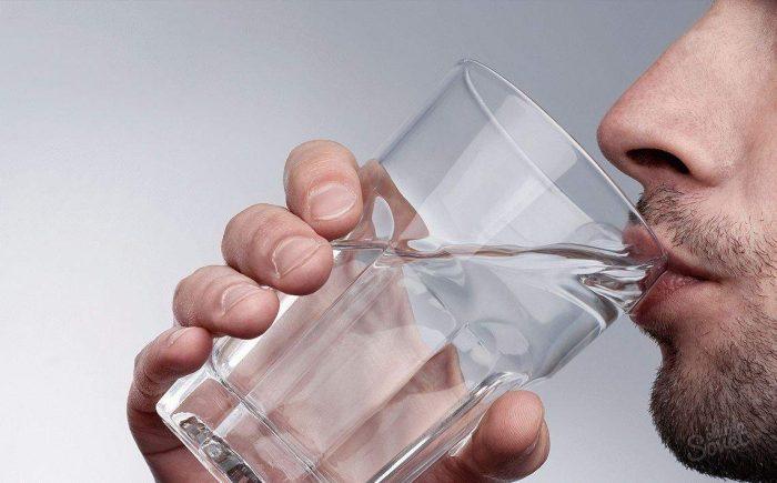 употребление большого количества жидкости